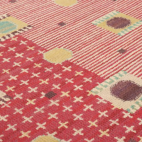"Carpet. ""kullager, röd"". knotted pile. 435 x 327,5 cm. signed ab mmf bn."