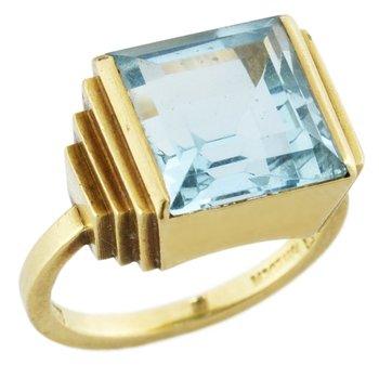 957. Wiwen Nilsson, A WIWEN NILSSON 18k gold ring with an aquamarine, Lund.