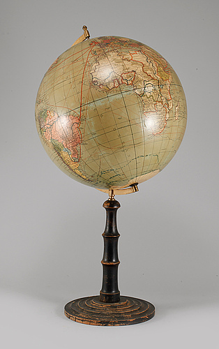 Jordglob, dr. krauses handels- och samfärdsglob, utgiven av paul räth, leipzig, 1900-talets första hälft.