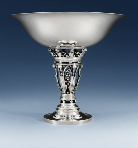 A johan rohde sterling centerpiece tazza by georg jensen, 1945-77, design nr 250 b.