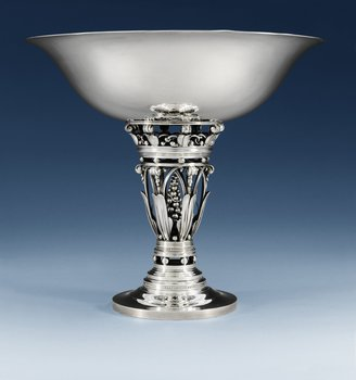 908. A JOHAN ROHDE sterling centerpiece tazza by Georg Jensen, 1945-77, design nr 250 B.