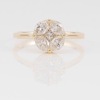 RING, 18K guld och diamanter tot ca 1.05 ct.