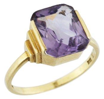 956. Wiwen Nilsson, A WIWEN NILSSON 18k gold ring with an amethyst , Lund 1935.