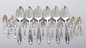 """SKEDAR, 13 + 6 st, silver, """"Wasa"""", GAB. 1900-talets första hälft. Total vikt ca 550 gram."""