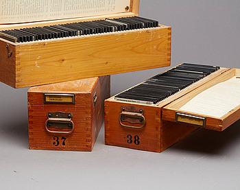 FOTONEGATIV PÅ GLASPLÅTAR. 3 lådor,1900-tal.