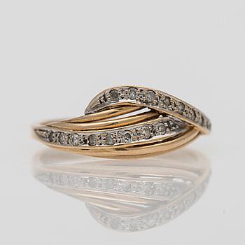 RING, 14K guld, små diamanter 0,17 ct, finska importstämplar 1985. Vikt 2,7 g.