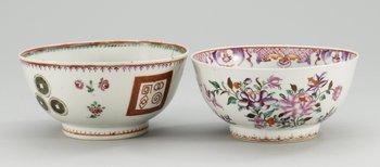 13. SKÅLAR, två stycken, kompaniporslin. Qing dynastin, Qianlong (1736-95).