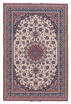 810. Seirafian, CARPET. Esfahan, Seirafian. 323,5 x 212 cm.