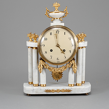 BORDSPENDYL, Louis XVI-stil, Westerstrand, Töreboda, omkring 1900-talets mitt.