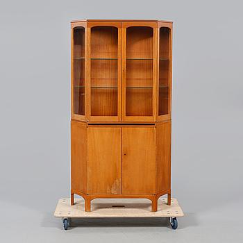 """SKÅP, """"Undantaget"""", Carl Malmsten, 1900-talets andra hälft."""