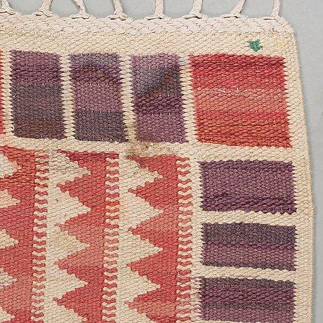 "Carpet. ""salerno röd"". flat weave. 305,5 x 204 cm. signed ab mmf bn."