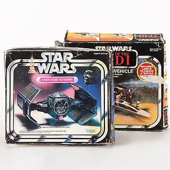 STAR WARS, Darth Vader Tie fighter samt X-wing i kartonger, 1970/80-tal.