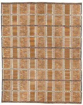 "526. CARPET. ""Josefina, brun"". Flat weave. 475 x 380,5 cm. Signed AB MMF MR."