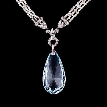 COLLIER, brioletteslipad akvamarin, rosenslipade diamanter, pärlor, platina.