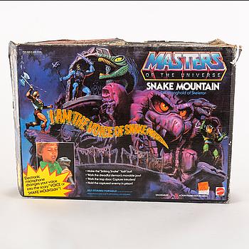 MASTERS OF THE UNIVERSE, Snake Mountain playset i förpackning, Mattel, 1983.