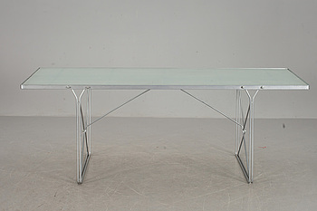 """IKEA, BORD, """"Moment"""", formgiven 1985 av Niels Gammelgaard för IKEA."""