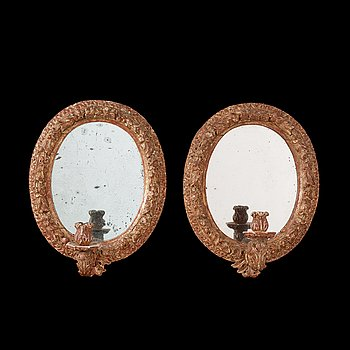 1231. SPEGELLAMPETTER, för ett ljus, ett par, Sverige, omkring år 1700. Barock i Burchardt Prechts art.