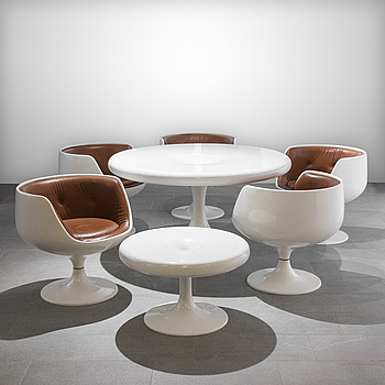 EERO AARNIO, TWO CHANTERELLE TABLES AND FIVE COGNAC CHAIRS. Designed in 1966. Manufactured by Artkeno for Asko Oy.