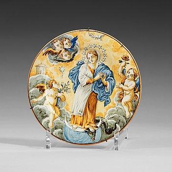 1335. FAT, majolika. Italien, Castelli, 1700-tal. Troligen familjen Grues manufaktur.
