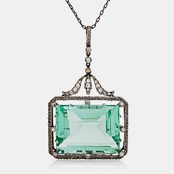 476. COLLIER med akvamarin ca 37.00 ct, samt rosen- och gammalslipade diamanter. Ca 1900.