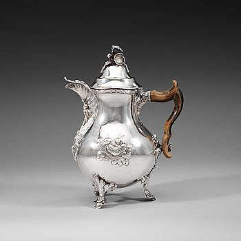 400. A Swedish 18th century silver coffee-pot, Pehr Zethelius, AStockholm 1771.