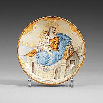 1336. SKÅLFAT, majolika. Italien, Castelli,, 16/1700-tal. Troligen av familjen Grues manufaktur.