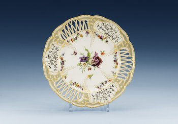 A Berlin KPM dessert dish, end of 19th Century. Diameter 26 cm.