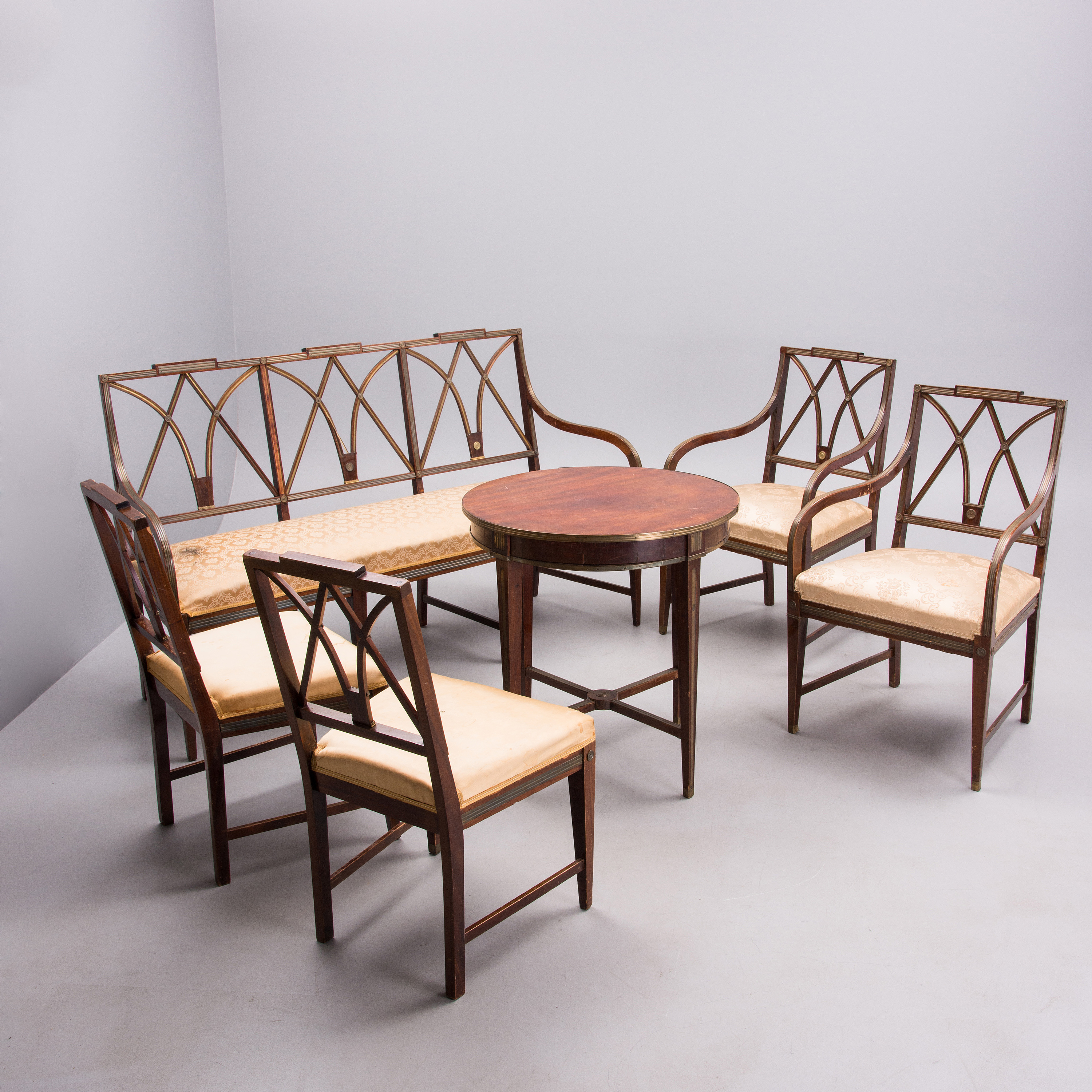 Merveilleux A SET OF RUSSIAN FURNITURE 6 PIECES, Jacob Style Late 19th Century.    Bukowskis