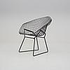 "Harry bertoia, fåtölj ""diamond chair"", 1900-talets andra hälft."