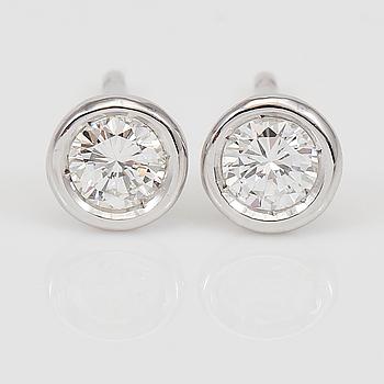 DIAMANTGRADERING, ÖRHÄNGEN, 1 par, diamanter totalt ca 0.25 ct.
