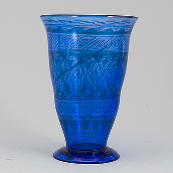 5. Simon Gate, A Simon Gate 'graal' glass vase, Orrefors 1917.