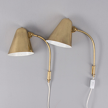 PAAVO TYNELL, A SET OF TWO WALL LAMPS. Manufactured by Taito Oy, 1940's.