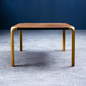 ALVAR AALTO, AN X-LEG TABLE. 1960s.