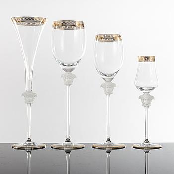 """GLASSERVISDELAR, 32 stycken, """"Medusa"""", Versace för Rosenthal."""