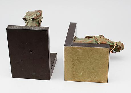 BokstÖd, 1 par, patinerad metall och marmor, 1900-talets första hälft.
