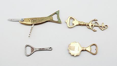 Kapsylöppnare, 4 st, mässing och metall, 1900-talets första hälft.