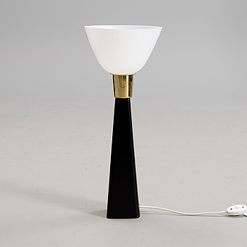 LISA JOHANSSON-PAPE, A TABLE LAMP. Manufactured by Orno. 1960s.