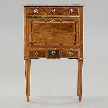 Find møbler til salg på auktionshuse i norden