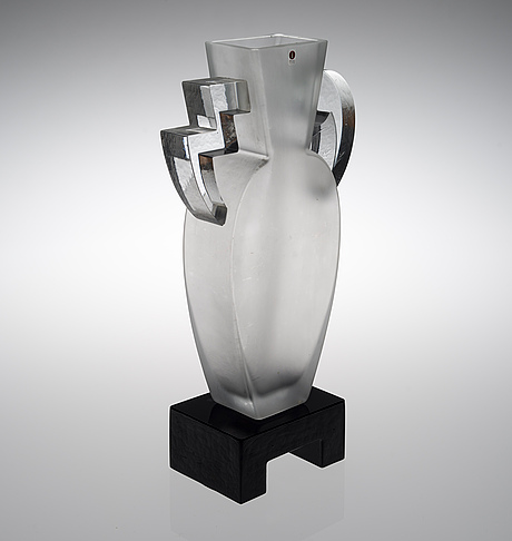 "Heikki orvola, a glass sculpture, ""maya"""