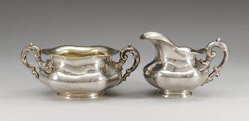 17. SOCKERSKÅL OCH GRÄDDKANNA, silver. Finland resp S:t Petersburg, 1800-tal.