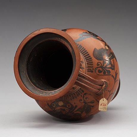 An attic black-figure amphora, 500 bc.