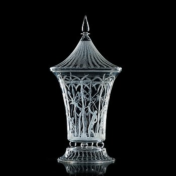 67. Edward Hald, an engraved glass goblet with cover, Orrefors 1922.