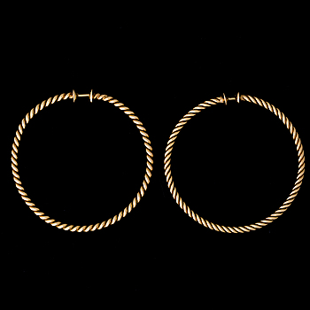 A PAIR OF EARRINGS, 18K gold. Bolin, Stockholm 1950s.