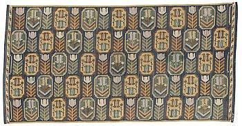 "465. Märta Måås-Fjetterström, A TEXTILE. ""Medaljongerna"". Flat weave. 92 x 175,5 cm. Signed MMF."