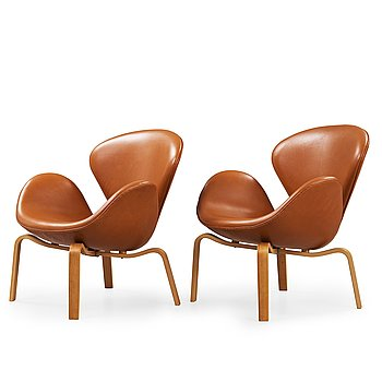 414. Arne Jacobsen, A pair of 'Swan' easy chairs, Fritz Hansen, Denmark 1966.