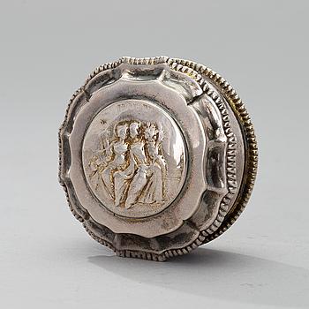 LUKTDOSA, silver, Johan Malmstedt, Göteborg 1803, vikt 56 g.
