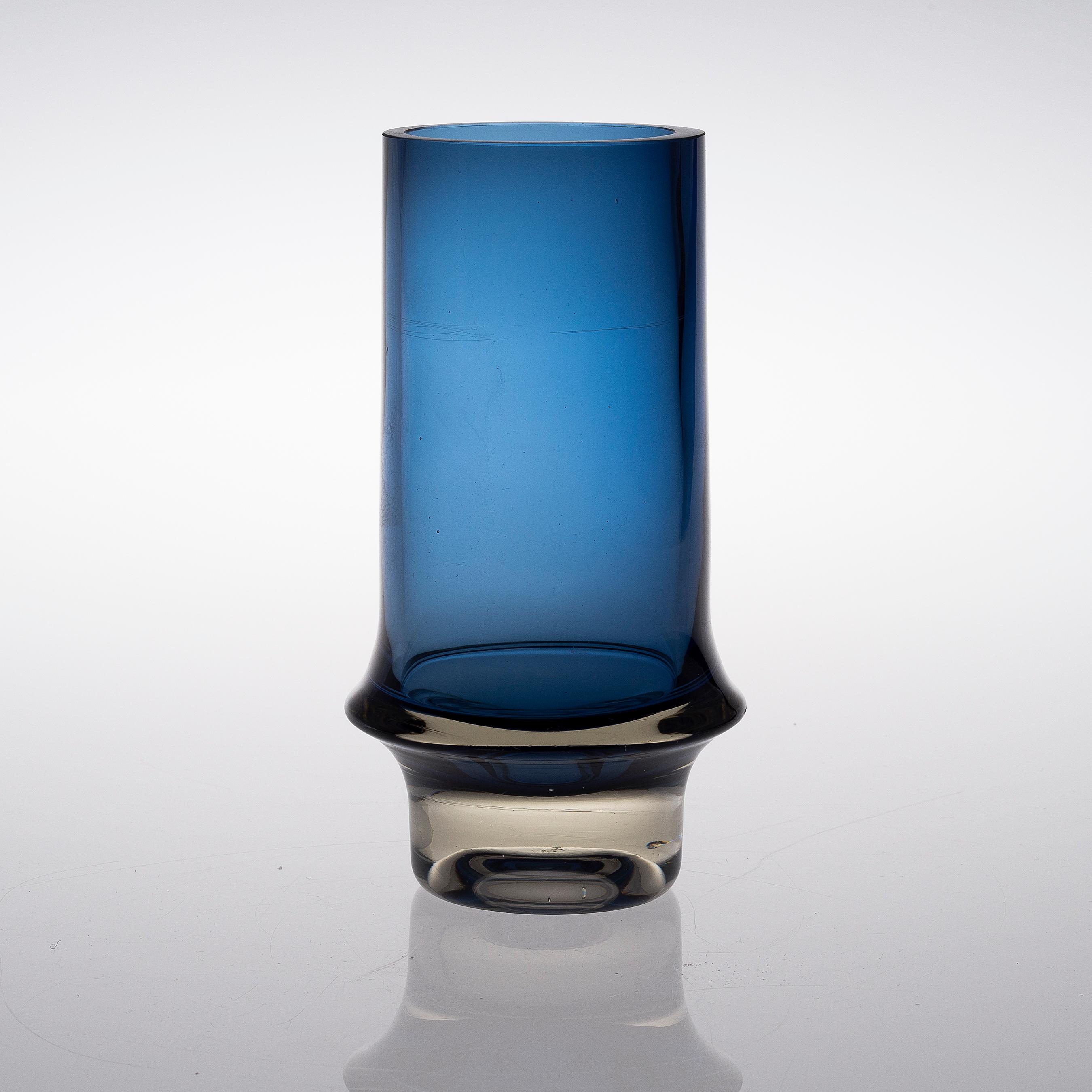 tapio wirkkala vas glas signerad tapio wirkkala 3581. Black Bedroom Furniture Sets. Home Design Ideas