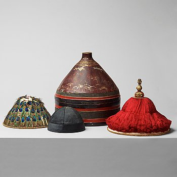 105. MANDARIN HATS, 3 PIECES IN A HAT BOX. China, Qing dynasty, 19th century.