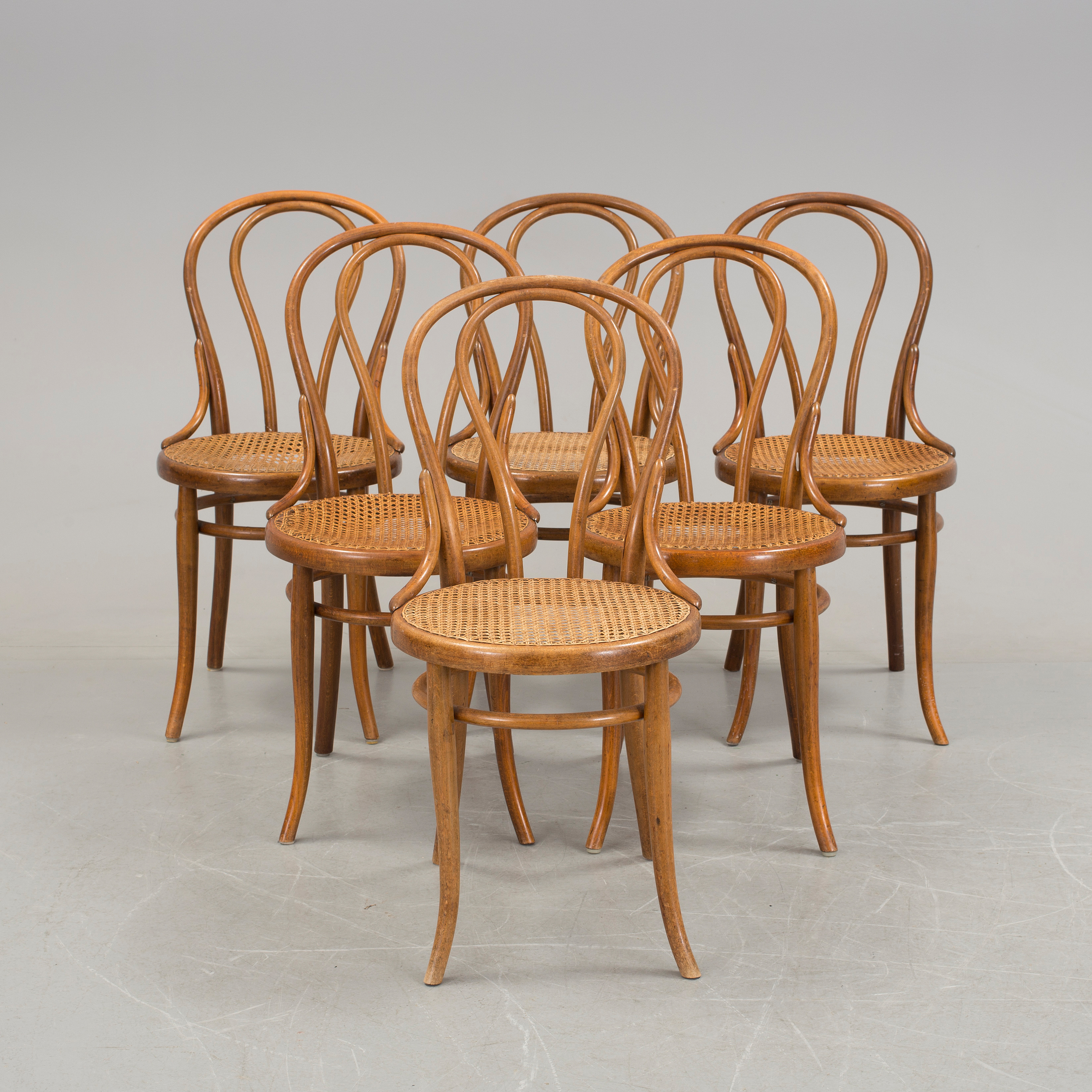A Set Of Six Thonet Konsumstuhl Nr 14 Chairs Fron The First Half