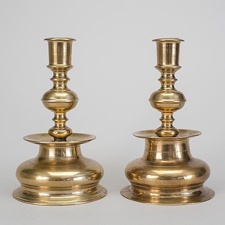 Ljusstakar i mÄssing, 2 stycken, barock 1700-tal.